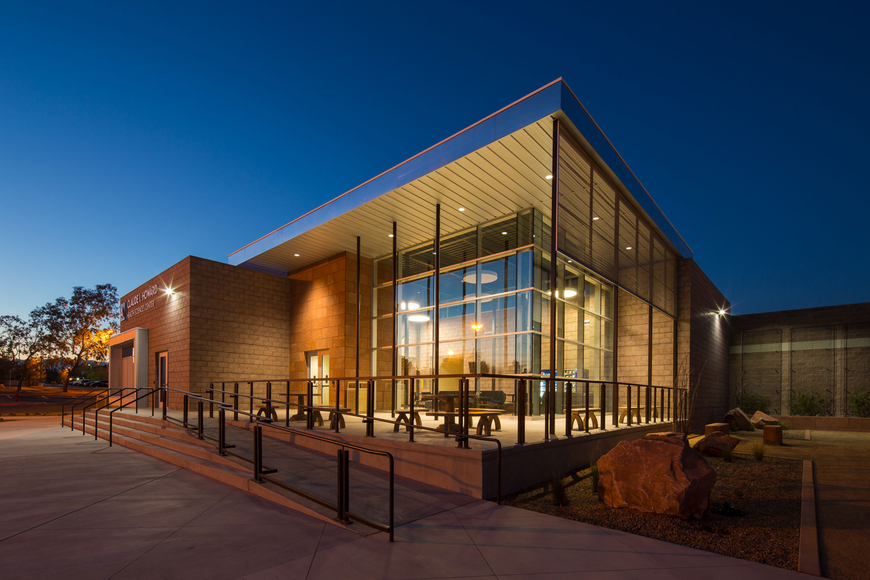 jeff-green-ccsd-campus-building-las-vegas-exterior-architecture
