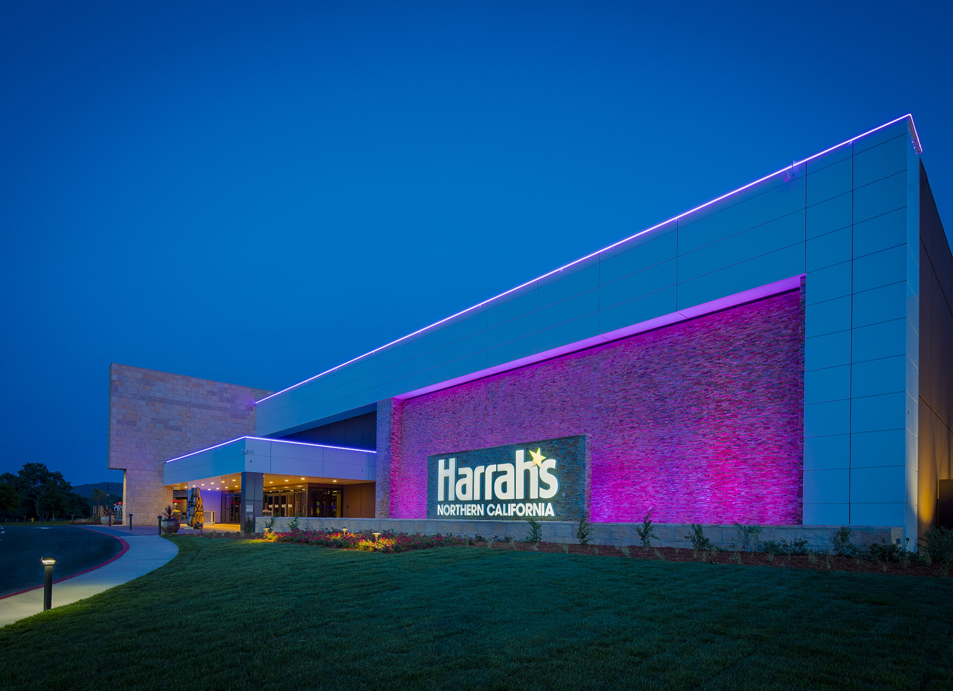 jeff-green-harrahs-exterior
