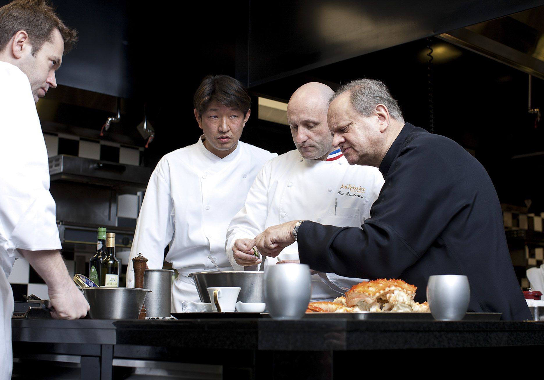jeff-green-joelrobuchon-kitchen