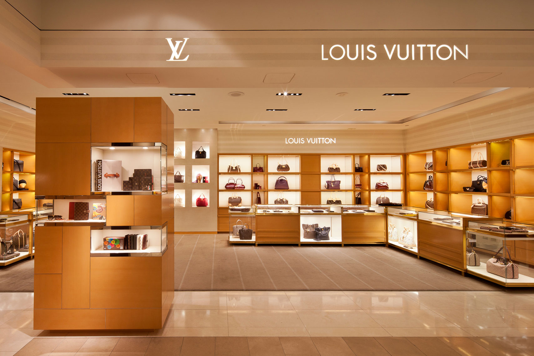 jeff-green-resort-retail-interiors-louis-vuitton-store