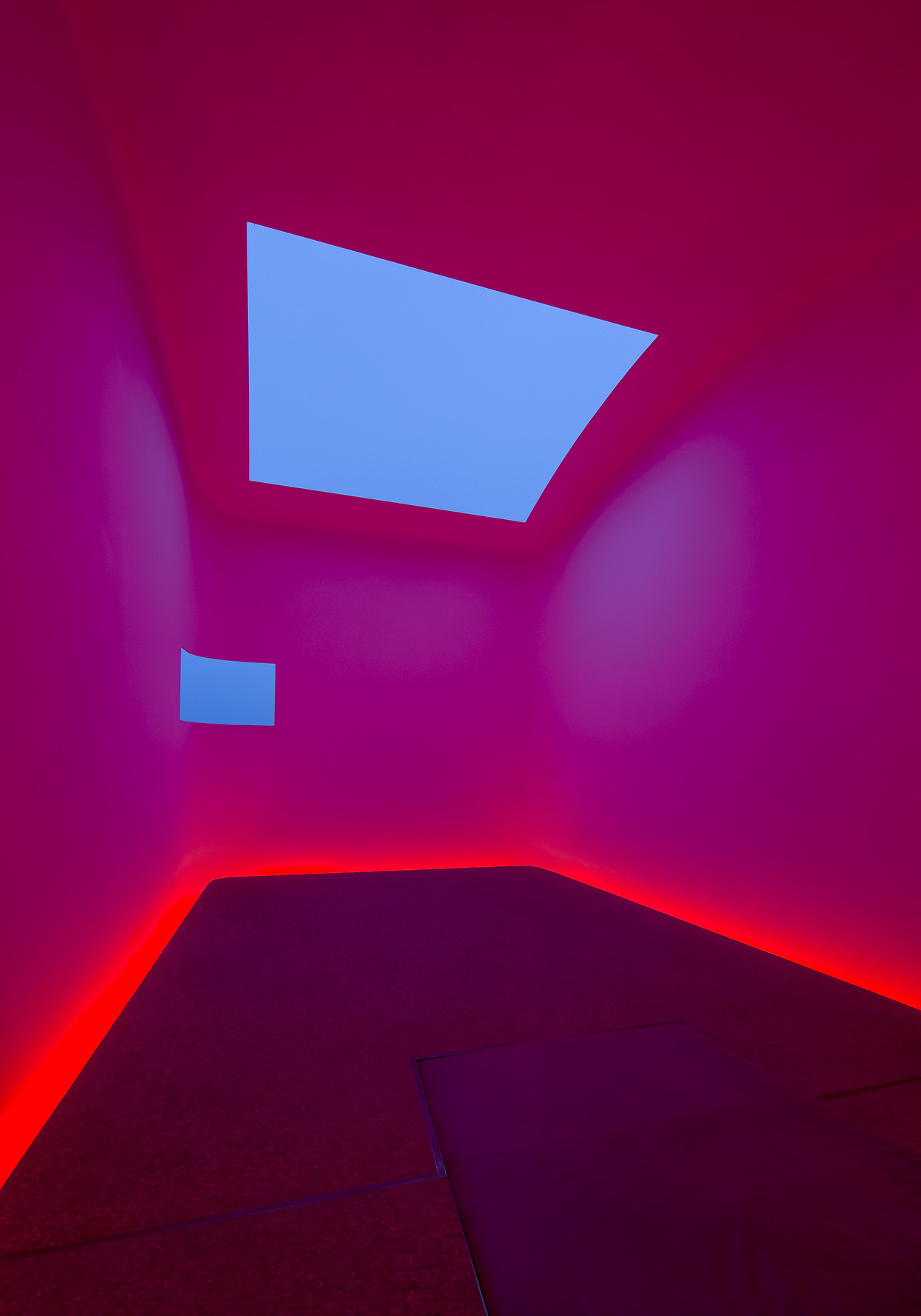 jeff-green-turrell-skyspace-vertical